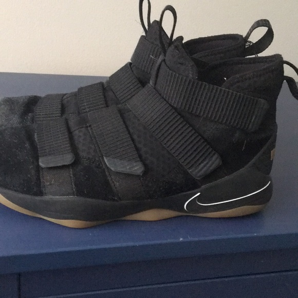 size 40 63664 b25be Lebron Soldier 11